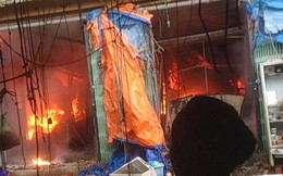 Cận cảnh hơn 1000 mét vuông chợ Sóc Sơn bị thiêu rụi