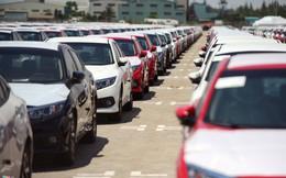 Giảm giá - món khai vị trước khai tiệc ôtô nhập khẩu