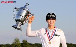 """""""Hậu phương vững chắc"""" đằng sau ánh hào quang của nữ hoàng mới của làng golf thế giới"""