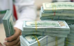 NHNN tăng tỷ giá trung tâm, giá USD tại ngân hàng thương mại cũng tăng