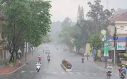 Áp thấp nhiệt đới khiến Bắc Trung Bộ mưa rào và dông