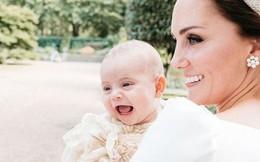 """Hoàng gia Anh """"phá lệ"""", công bố bức ảnh thứ 5 tuyệt đẹp của Hoàng tử Louis khiến người hâm mộ phát cuồng"""