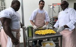 Đầu bếp Nhà Trắng chống đẩy 2222 cái, ăn 2 chục trứng luộc, 4 con gà mỗi ngày cho khỏe