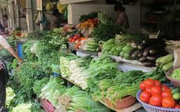 Giá rau xanh tăng mạnh vì trời mưa, ngập