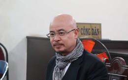 Ông Đặng Lê Nguyên Vũ tươi tỉnh xuất hiện ở tòa để hòa giải ly hôn lần cuối với bà Lê Hoàng Diệp Thảo