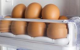 Bạn nghĩ mình sáng suốt khi cất trứng ở vị trí này trong tủ lạnh nhưng thật ra là sai bét nhè, đổi ngay trước khi trứng hỏng hàng loạt