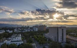 Cả thế giới đang trả tiền để dân Bắc Kinh có cuộc sống dễ thở nhất một thập kỷ qua