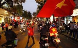 Hơn 500 cảnh sát ra quân giữ an ninh, chống đua xe sau trận đấu Việt Nam - Syria