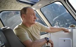 Tổng thống Putin lại gây sốt với chuyến nghỉ hè ở vùng hoang vu Siberia