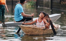 Người dân Chương Mỹ trong trận lụt lịch sử: Trẻ nhỏ chưa được đến trường, người già lở loét da sau nửa tháng ngâm mình trong nước