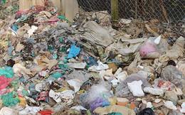 Rùng mình cảnh sống trong rác dưới chân cầu Long Biên