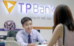 """TPBank tung """"bão quà tặng"""" cho khách hàng đến giao dịch"""