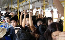 1001 nỗi khổ mà chỉ những ai hay đi xe bus mới hiểu: Tắc đường, chen chúc nhau, mùi cơ thể!