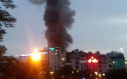Hiện trường 10 căn nhà bị lửa thiêu rụi trên phố Hà Nội
