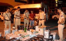 Bắt giữ vụ vận chuyển 600 chai rượu nhập lậu