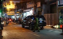 Cảnh sát khám xét nơi ở cựu Phó Chủ tịch UBND TP.HCM và nhiều người vừa bị khởi tố