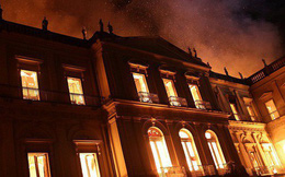 Cháy dữ dội bảo tàng trên 200 năm tuổi, chứa 20 triệu hiện vật