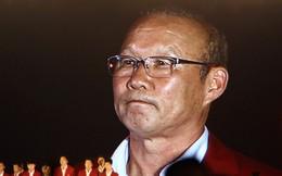 """Ông Park Hang-seo không ngại """"gây sự"""" với đám người nước ngoài quá khích để bảo vệ chiếc áo có lá quốc kỳ Việt Nam"""