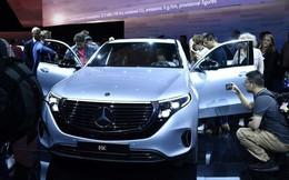 Mercedes chi 12 tỷ USD cho mẫu xe điện mới để cạnh tranh với Tesla