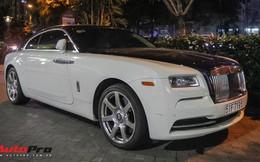 Rolls-Royce Wraith hai tông màu độc đáo của đại gia y tế sở hữu cả McLaren 650S và Ferrari 488 GTB