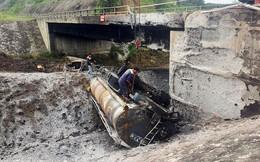 Gia cố cầu hư hỏng sau vụ cháy xe bồn trên cao tốc Nội Bài - Lào Cai