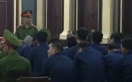 """Phiên tòa 10/1: Phan Thành Mai khai """"các anh bên Sacombank không biết bản chất hành vi gửi tiền để đảm bảo cho các doanh nghiệp vay tiền của VNCB"""""""