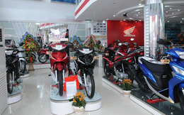 Số xe máy bán ra một tháng bằng doanh số thị trường ôtô cả năm