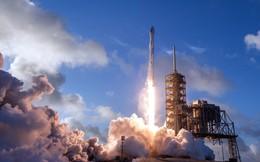 Khách hàng lên tiếng bảo vệ Elon Musk trong vụ phóng vệ tinh tối mật thất bại