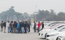 Hàng trăm xe ô tô tuần hành trên đường phố Hà Nội đòi Grab giảm tỷ lệ ăn chia