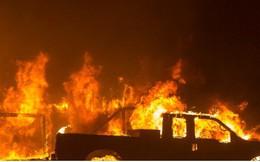"""Hãi hùng cảnh cháy rừng giống """"bom hạt nhân phát nổ"""" ở California, Mỹ"""