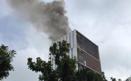 Cháy lớn tại tòa nhà đang xây ở Hà Nội, khói đen kịt trời