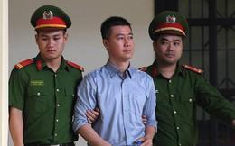 Phan Sào Nam khóc nói vợ con đang ở nhà thuê, các cháu được ông bà nuôi, nhà đã bán hết