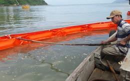 Cận cảnh vụ tàu chở dầu đâm cầu cảng, khiến dầu tràn ra biển