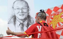 Chàng trai in hình HLV Park Hang-seo lên đầu, vượt gần 1.000km để cổ vũ đội tuyển Việt Nam tại SVĐ Mỹ Đình