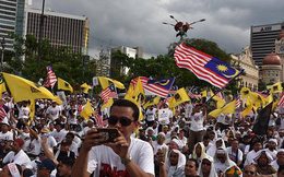 Biểu tình lớn ở trung tâm Kuala Lumpur, cảnh báo cho cổ động viên Việt Nam