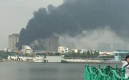 Hà Nội: Cháy lớn ở công trình đang xây sát trường học, khói bốc cao cả chục mét