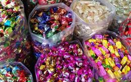 Bánh kẹo giả tràn lan, người tiêu dùng cần lưu ý những gì khi mua sắm?