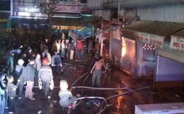 Nửa đêm, khu chợ lớn nhất tỉnh Thanh Hóa bốc cháy