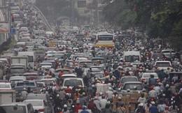 Xe cộ đổ dồn về Thủ đô giáp Tết, không khí ô nhiễm báo động