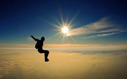 [Thi viết TÔI MẤT TIỀN] Cú nhảy tự do không có dù…