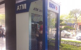 Làm sao để không bị mất cắp thông tin khi rút tiền ATM?