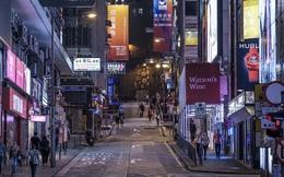 """""""Bão"""" biểu tình, các cửa hàng và khách sạn ở Hồng Kông đồng loạt cắt giảm lương và giờ làm hoặc thậm chí phải sa thải nhân viên để có thể sống sót"""