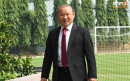 """Cập nhật sự kiện HLV Park Hang-seo ký hợp đồng với Liên đoàn bóng đá Việt Nam: """"Nhân vật chính"""" xuất hiện tại nhà riêng trước giờ G"""