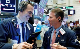 Dow Jones bứt phá 4 phiên liên tiếp, Boeing tiếp tục lao dốc