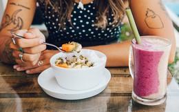 """Hãy cẩn thận trước 7 loại đồ ăn và thức uống quen thuộc này, vì chúng có thể đang """"giết chết"""" sức khỏe mà bạn không hay!"""