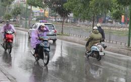 Hà Nội đón mưa dông chấm dứt nắng nóng