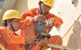 Tiêu thụ điện tăng vọt, EVN khẩn cấp huy động hàng loạt nhiệt điện dầu