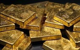 Vàng tăng cực nóng, người dân có nên đổ tiền vào mua vàng lúc này?