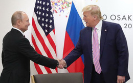 """Ông Trump """"dặn dò"""" ông Putin đừng can thiệp bầu cử tổng thống Mỹ"""