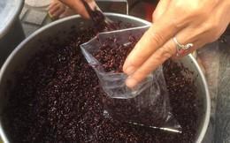 Hoa quả tăng giá đột biến, rượu nếp cháy hàng từ sáng sớm trong ngày diệt sâu bọ